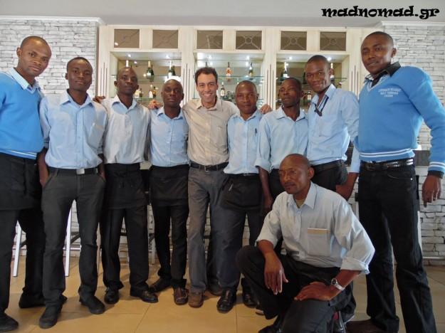 Με μερικούς από τους συναδέλφους μου στο εστιατόριο της ελληνικής κοινότητας του Lubumbashi!