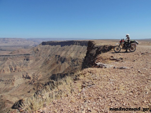 With my motorcycle running properly again, it was time to enjoy the Fish River Canyon, which is considered to be the second largest canyon of the world, after the Grand Canyon!