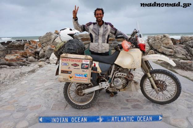 Μετά από 540 μέρες στο δρόμο, σχεδόν ενάμιση χρόνο, και 44.620 χιλιόμετρα, έφτασα στο νοτιότερο σημείο του ταξιδιού μου, το Cape Agulhas!