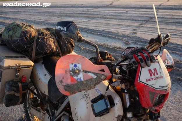 Ανεμοθώρακας σε μοτοσυκλέτα που κάνει enduro δε μπορεί να επιβιώσει... Στην Ασία τέσσερις είχα αλλάξει!