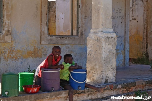 After 15 years of a brutal civil war, life is going on in Mozambique between old, Portuguese ruins...