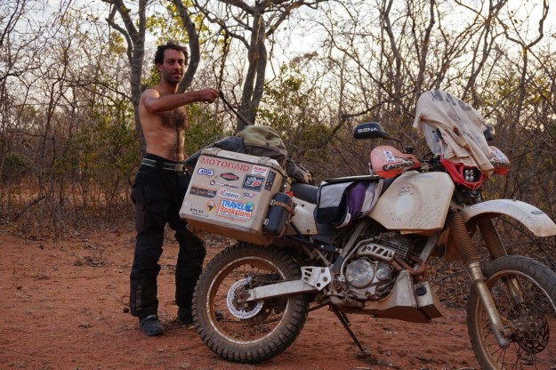 Another day on the dirt roads comes to an end and I must unpack the few things that a nomad needs. Time to enjoy the 27th full moon I saw during my African adventure ;-)
