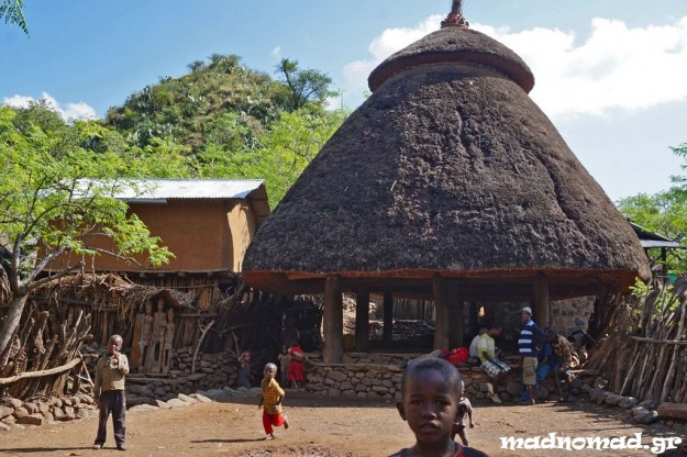Busso is one of the Konso villages. It looks picturesque with its communal house and the totems of their chiefs and their village's heroes.