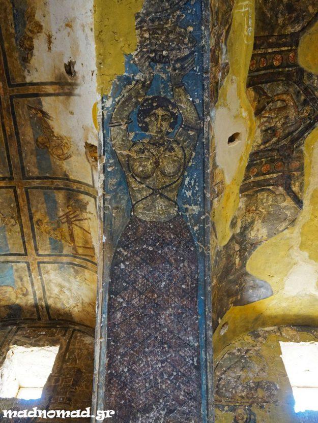 Το ισλάμ απαγορεύει την απεικόνιση οποιουδήποτε ζωντανού όντος, αλλά το καραβάν σεράι Amra είναι γεμάτο ζωηρές τοιχογραφίες του όγδοου αιώνα που απεικονίζουν κρασί και γυναίκες, ακόμη και γυμνές!